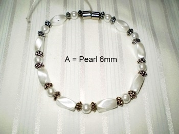 Woman Single 30.7: White Twist + White Round Magnetic Hematite Beads