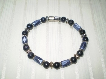Woman Single 31.9: Blue Sand Semi-Precious & Blue Faceted Tube Magnetic Hematite
