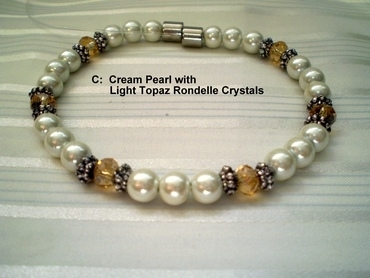 Woman Single 31.7 : Cream Pearl Magnetic Hematite & Light Topaz Rondelle Crystals