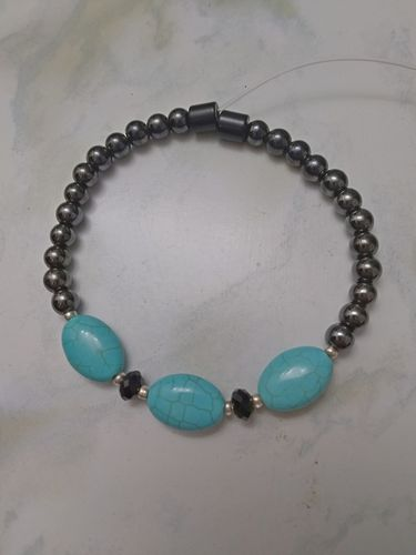 Woman Single 32.8: Turquoise Oval (12 by 8 mm) + 6mm Black Magnetic Hematite