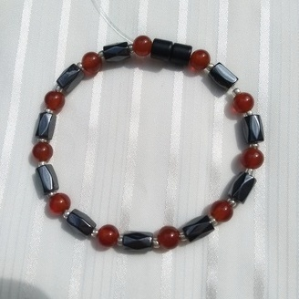 Woman Single 34.51: Carnelian + Hex Magnetic Hematite