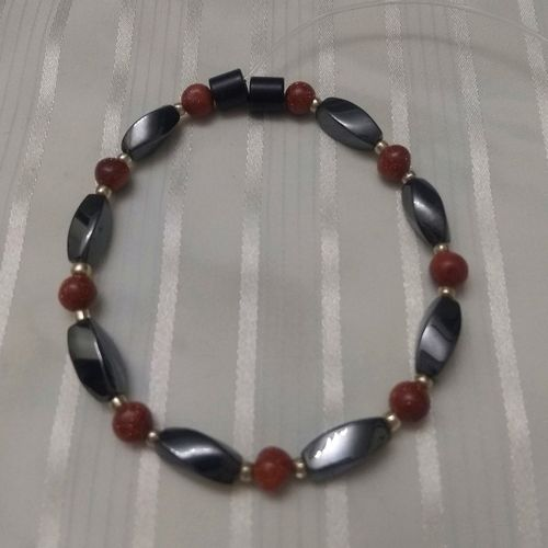 Woman Single 34.70: Goldstone + Twist Magnetic Hematite
