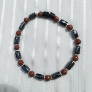 Woman Single 34.71: Goldstone + Hex Magnetic Hematite