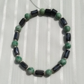 Woman Single 35.11: Jade Qinghai + Hex Magnetic Hematite