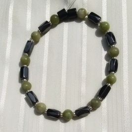 Woman Single 35.21: Jade Taiwan + Hex  Magnetic Hematite
