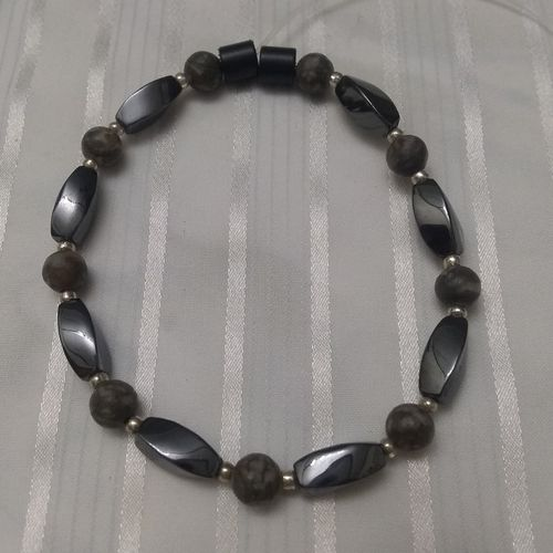 Woman Single 35.50: Jasper Grey Leopard + Twist Magnetic Hematite