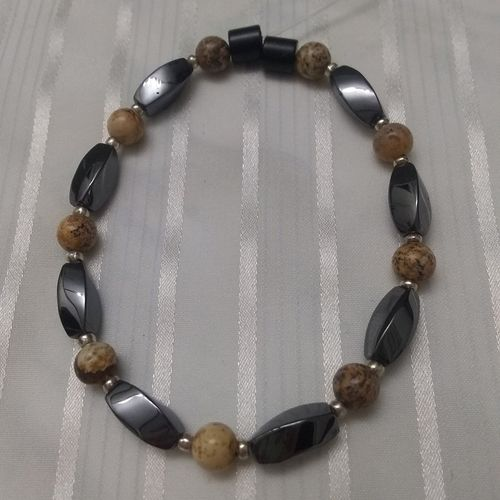 Woman Single 35.60: Jasper Picture  + Twist Magnetic Hematite