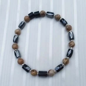 Woman Single 35.61: Jasper Picture  + Hex  Magnetic Hematite