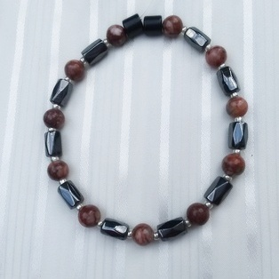 Woman Single 35.71: Jasper Red Leopard   + Hex  Magnetic Hematite