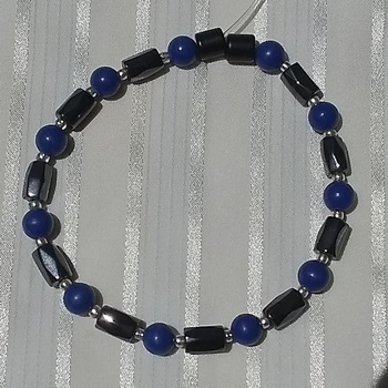 Woman Single 35.91: Lapis + Hex Magnetic Hematite