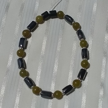 Woman Single 36.11: Lemon Crystal  + Hex  Magnetic Hematite