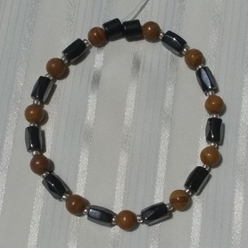 Woman Single 36.21: Malachite Brown + Hex Magnetic Hematite