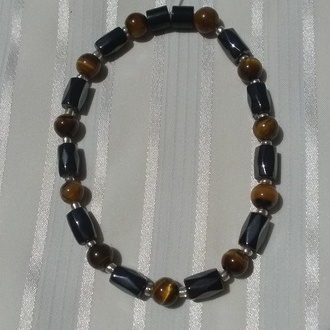 Woman Single 36.71: Tiger Eye + Hex  Magnetic Hematite