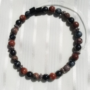 Woman Single 30.51: COOL TONES: Red/Grey Jaspers (2) + Black Round Magnetic Hematite